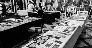 Escuela de niños pintores organizó subasta de arte infantil