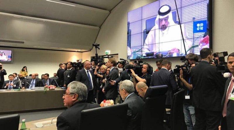 Países OPEP y no OPEP extenderán ajuste en producción petrolera